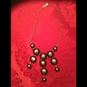 Black and gold disc necklace